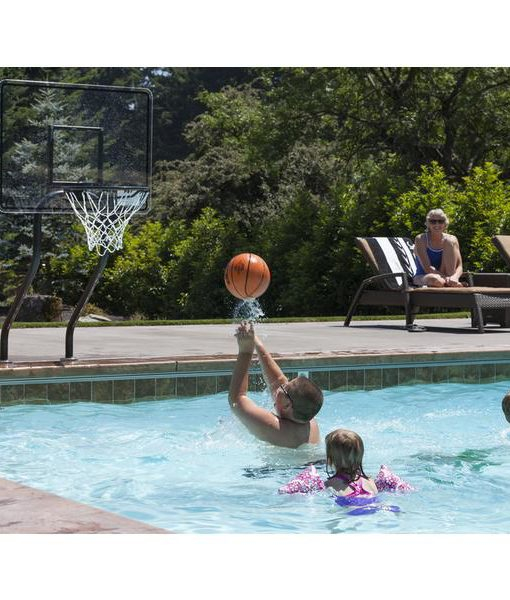 juegos de relajacion en la piscina