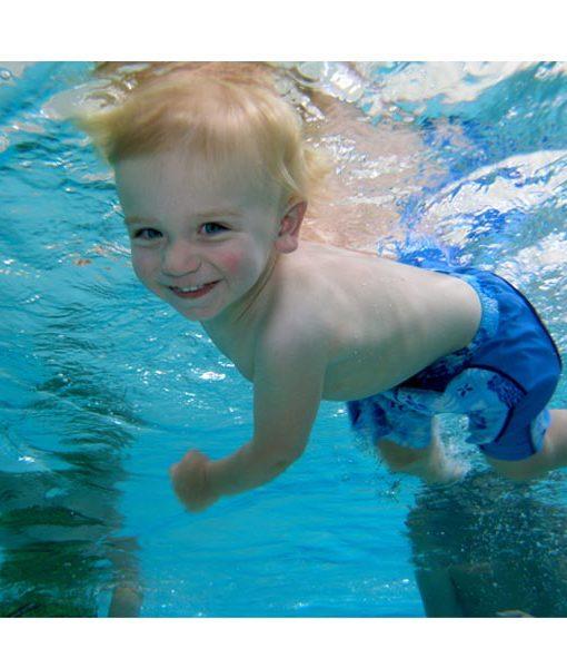 niños diversión piscina agua relajarse feliz chile