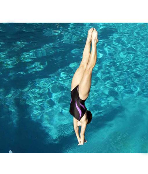 Plataforma de salto para piscinas 2m kripsol piscineria for Plataforma para piscina