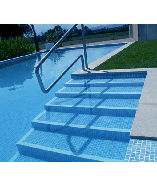 Mosaico celeste antideslizante para piscina for Gresite piscina precio m2