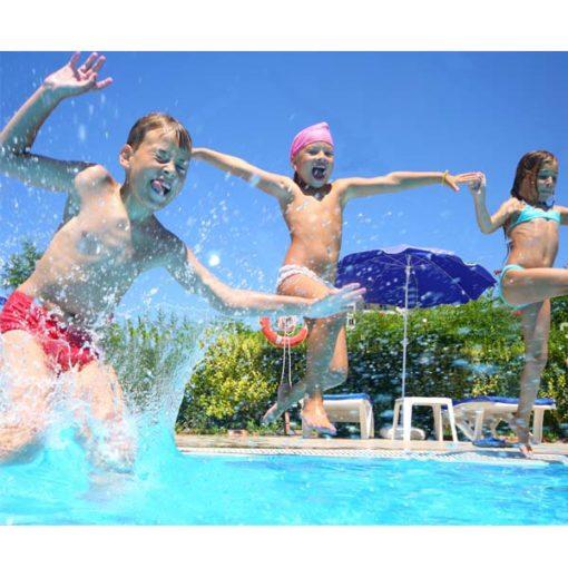 niños diversión pisicina agua relajarse feliz chile